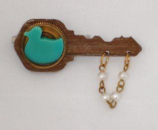 Duck pin