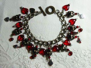 Love the kitties bracelet.8.19.2011